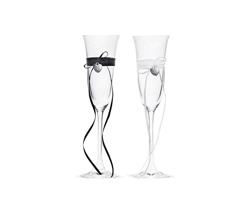 Champagneglazen met satijn lint en hartjes, 2 glazen